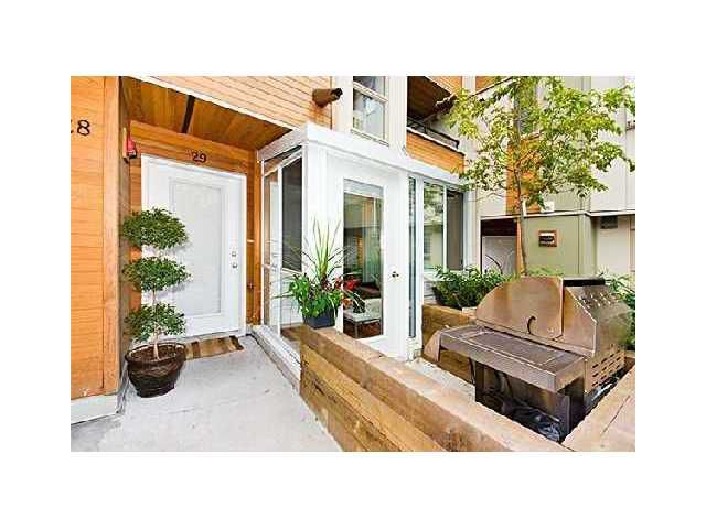 "Main Photo: 29 638 W 6TH Avenue in Vancouver: Fairview VW Townhouse for sale in ""STELLA DEL FIORDO"" (Vancouver West)  : MLS®# V825762"