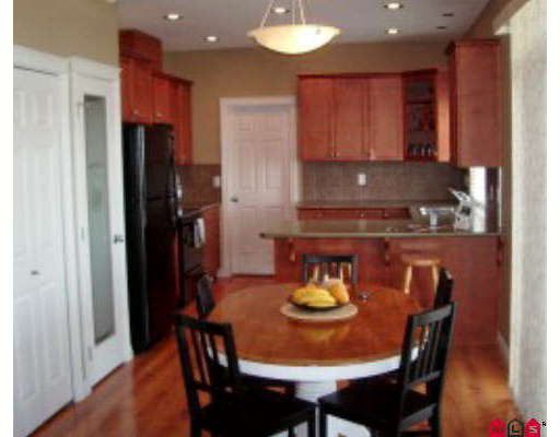 Photo 2: Photos: 35542 CATHEDRAL Court in Abbotsford: Abbotsford East House for sale : MLS®# F2903292