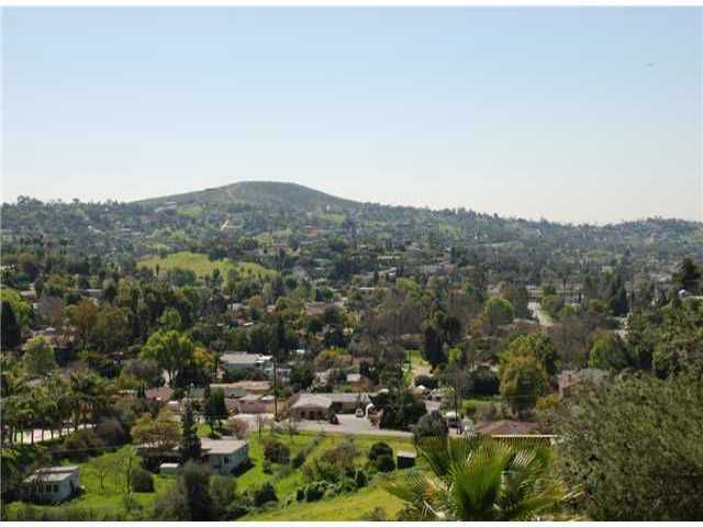 Main Photo: MOUNT HELIX House for sale : 3 bedrooms : 9208 Edgewood in La Mesa