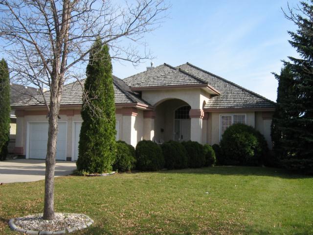Main Photo: 32 VANDERBILT Drive in WINNIPEG: Fort Garry / Whyte Ridge / St Norbert Residential for sale (South Winnipeg)  : MLS®# 1020649