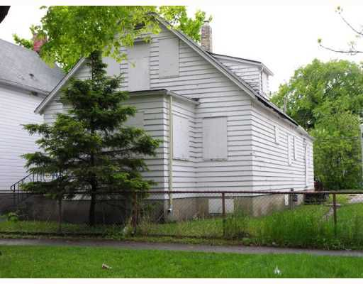 Main Photo: 430 PRITCHARD Avenue in WINNIPEG: North End Residential for sale (North West Winnipeg)  : MLS®# 2910672