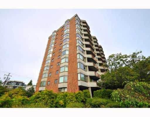 "Main Photo: 404 2445 W 3RD Avenue in Vancouver: Kitsilano Condo for sale in ""CARRIAGE HOUSE"" (Vancouver West)  : MLS®# V786416"
