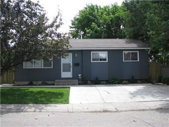 Main Photo: 126 Ramsay Court in Saskatoon: West College Park Single Family Dwelling for sale (Saskatoon Area 01)  : MLS®# 382074