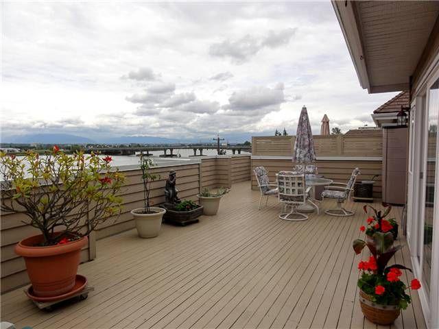"""Main Photo: 338 5880 DOVER Crescent in Richmond: Riverdale RI Condo for sale in """"WATERSIDE"""" : MLS®# V835992"""
