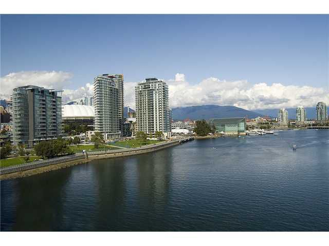 """Main Photo: 1907 918 COOPERAGE Way in Vancouver: False Creek North Condo for sale in """"MARINER"""" (Vancouver West)  : MLS®# V863585"""