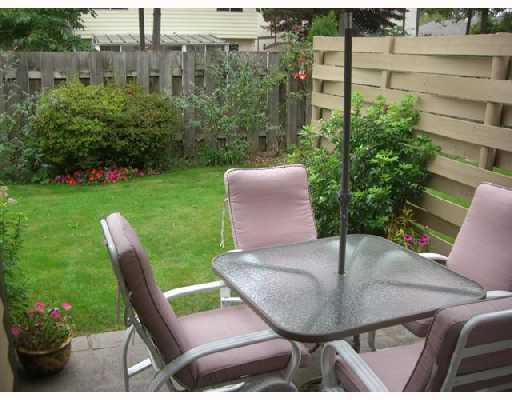 """Main Photo: 20 11160 KINGSGROVE Avenue in Richmond: Ironwood Townhouse for sale in """"CEDAR GROVE STATES"""" : MLS®# V735561"""