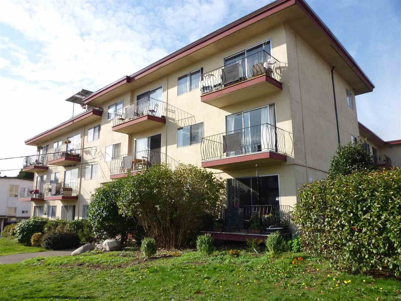 Main Photo: 209 611 BLACKFORD Street in New Westminster: Uptown NW Condo for sale : MLS®# R2011184