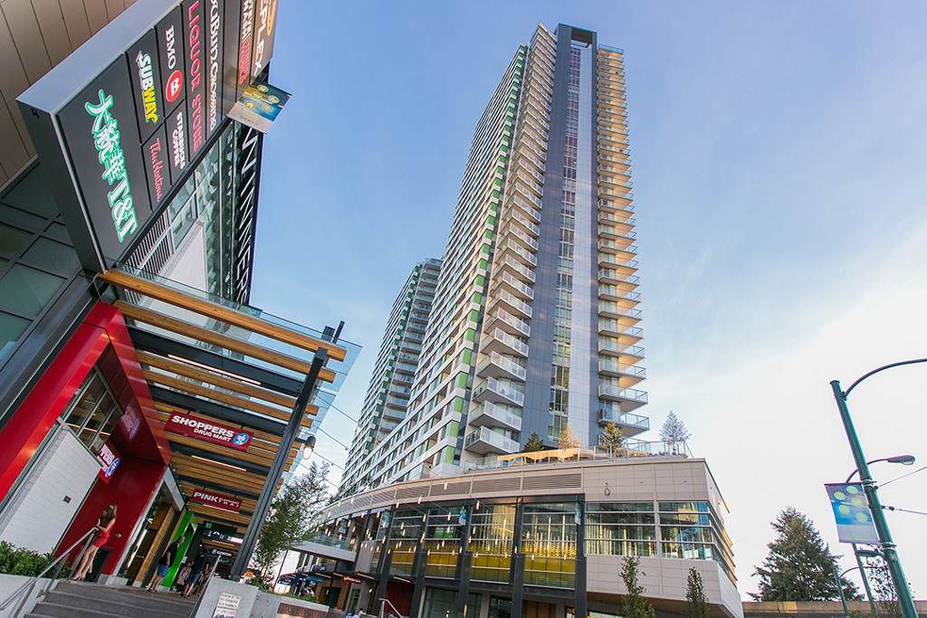 """Main Photo: 3701 488 SW MARINE Drive in Vancouver: Marpole Condo for sale in """"MARINE GATEWAY - NORTH TOWER"""" (Vancouver West)  : MLS®# R2102547"""