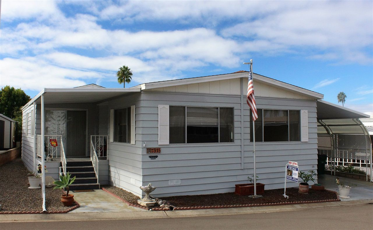 Main Photo: CARLSBAD WEST Manufactured Home for sale : 2 bedrooms : 7315 San Bartolo in Carlsbad