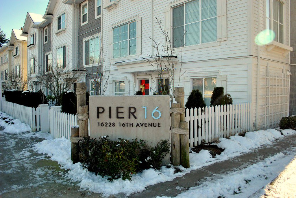 """Main Photo: 16 16228 16 Avenue in Surrey: King George Corridor Townhouse for sale in """"Pier 16"""" (South Surrey White Rock)  : MLS®# R2128124"""