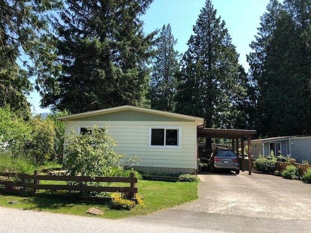 """Main Photo: 234 1830 MAMQUAM Road in Squamish: Garibaldi Estates Manufactured Home for sale in """"Timbertown Estates"""" : MLS®# R2293554"""