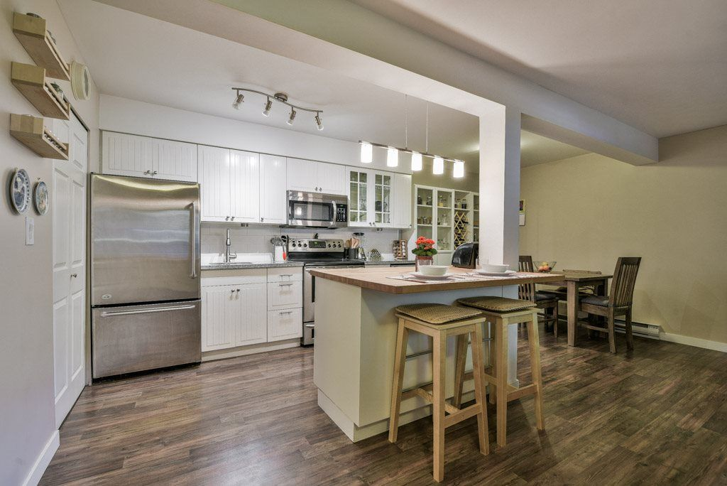 """Main Photo: 1008 10620 150 Street in Surrey: Guildford Condo for sale in """"LINCOLN'S GATE"""" (North Surrey)  : MLS®# R2308067"""