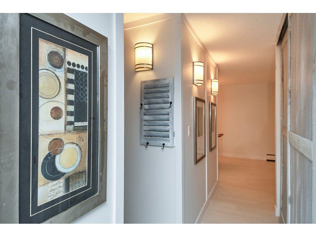 "Main Photo: 202 1444 MARTIN Street: White Rock Condo for sale in ""Martinview Manor"" (South Surrey White Rock)  : MLS®# R2325259"