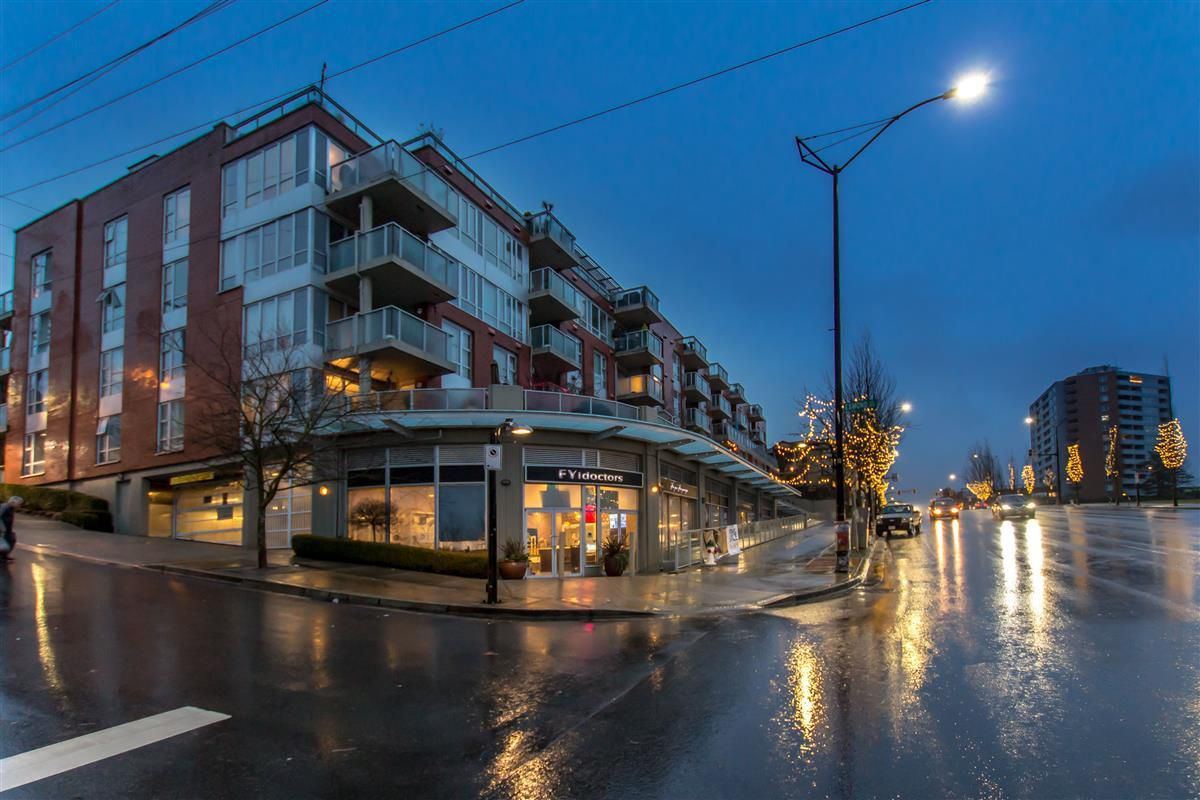 "Main Photo: 212 3811 HASTINGS Street in Burnaby: Vancouver Heights Condo for sale in ""MONDEO"" (Burnaby North)  : MLS®# R2329152"
