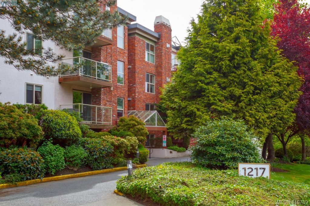 Main Photo: 101 1217 Pandora Avenue in VICTORIA: Vi Downtown Condo Apartment for sale (Victoria)  : MLS®# 410789