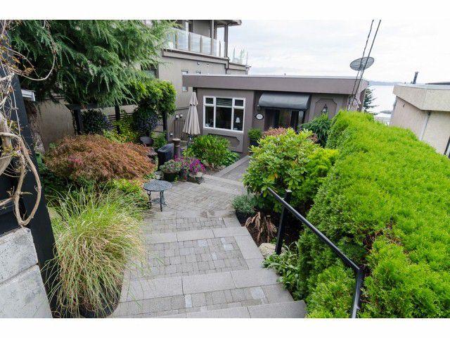 "Main Photo: 15082 ROYAL Avenue: White Rock House for sale in ""White Rock - Hillside"" (South Surrey White Rock)  : MLS®# F1422984"