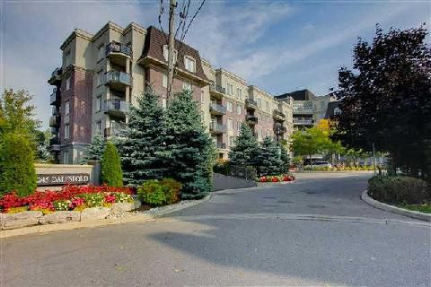 Main Photo: 11 245 Dalesford Road in Toronto: Stonegate-Queensway Condo for sale (Toronto W07)  : MLS®# W3035439