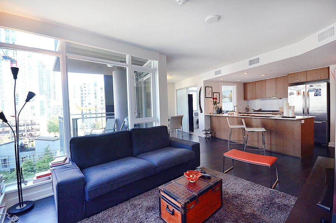 Main Photo: 716 1372 SEYMOUR Street in Vancouver: Downtown VW Condo for sale (Vancouver West)  : MLS®# R2068345