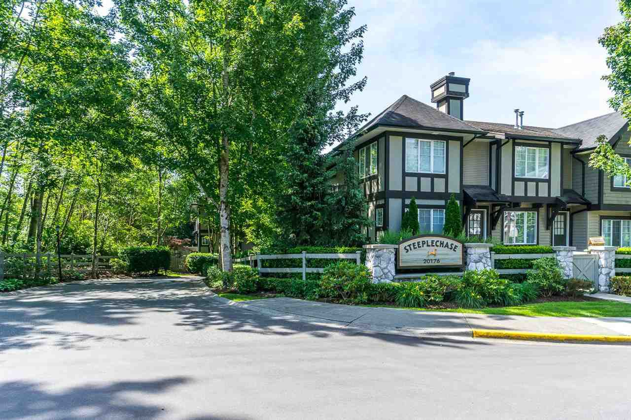 "Main Photo: 34 20176 68 Avenue in Langley: Willoughby Heights Townhouse for sale in ""STEEPLECHASE"" : MLS®# R2075476"