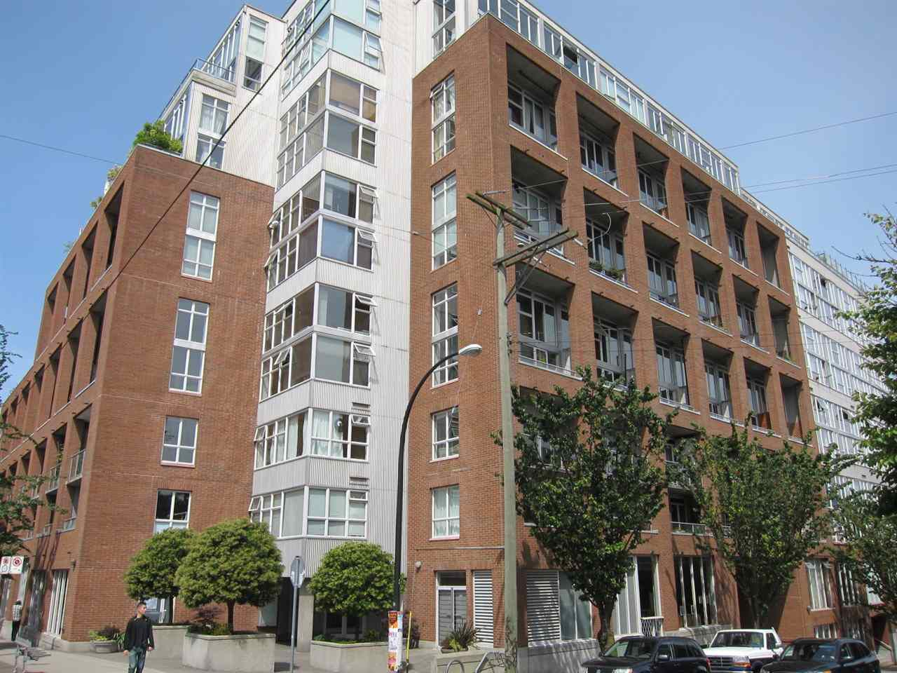 """Main Photo: 428 289 ALEXANDER Street in Vancouver: Hastings Condo for sale in """"THE EDGE"""" (Vancouver East)  : MLS®# R2079369"""