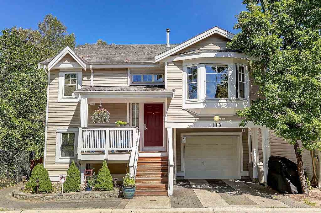 "Main Photo: 119 3000 RIVERBEND Drive in Coquitlam: Coquitlam East House for sale in ""Riverbend"" : MLS®# R2093902"