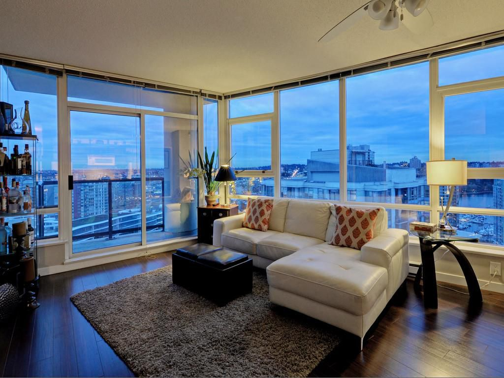 """Main Photo: 3202 928 BEATTY Street in Vancouver: Yaletown Condo for sale in """"THE MAX"""" (Vancouver West)  : MLS®# R2133145"""