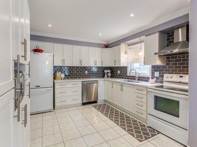 Main Photo: 121 Major William Sharpe Drive in Brampton: Northwood Park House (2-Storey) for sale : MLS®# W3809199