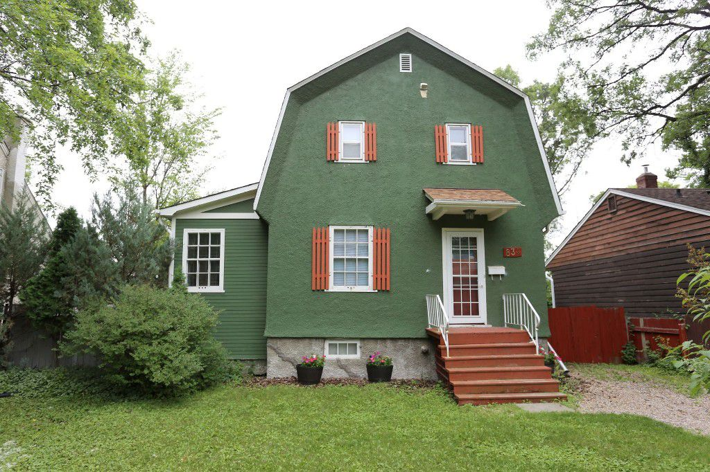 Welcome to 834 Oakenwald Ave. in Fort Garry