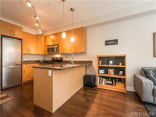 Main Photo: 114 21 Conard Street in : VR Hospital Residential for sale (View Royal)  : MLS®# 354595