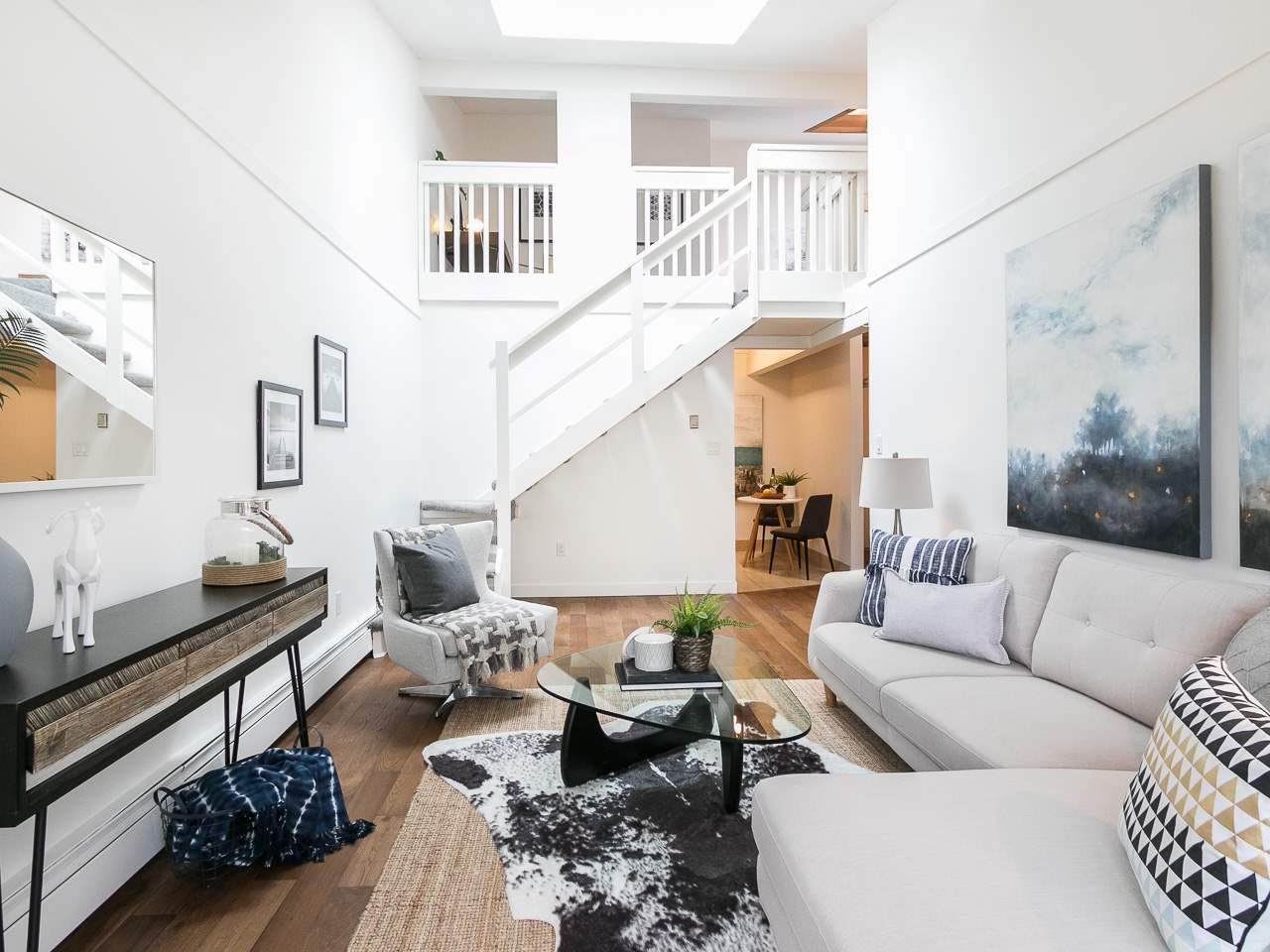 """Main Photo: 301 2190 W 7TH Avenue in Vancouver: Kitsilano Condo for sale in """"SUNSET WEST"""" (Vancouver West)  : MLS®# R2252526"""