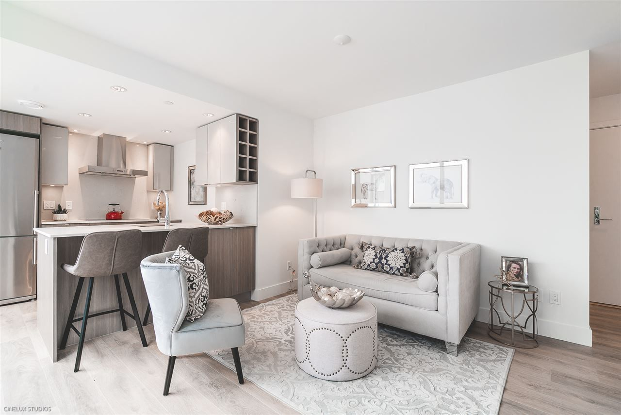 """Main Photo: 506 1788 COLUMBIA Street in Vancouver: False Creek Condo for sale in """"EPIC AT WEST"""" (Vancouver West)  : MLS®# R2267401"""