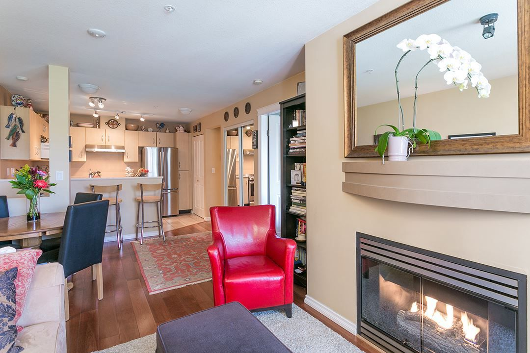 """Main Photo: 322 332 LONSDALE Avenue in North Vancouver: Lower Lonsdale Condo for sale in """"CALYPSO"""" : MLS®# R2275459"""