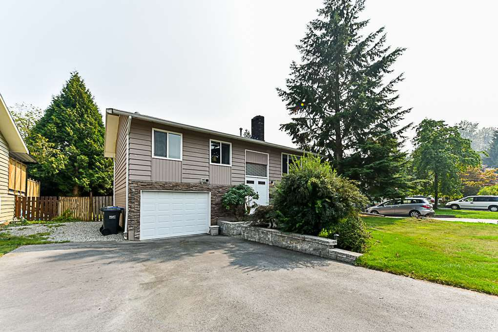 "Main Photo: 1102 ELLIS Drive in Port Coquitlam: Birchland Manor House for sale in ""BIRCH MANOR"" : MLS®# R2321831"