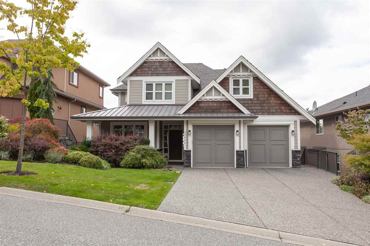 """Main Photo: 35826 TREETOP Drive in Abbotsford: Abbotsford East House for sale in """"Highlands"""" : MLS®# R2347337"""