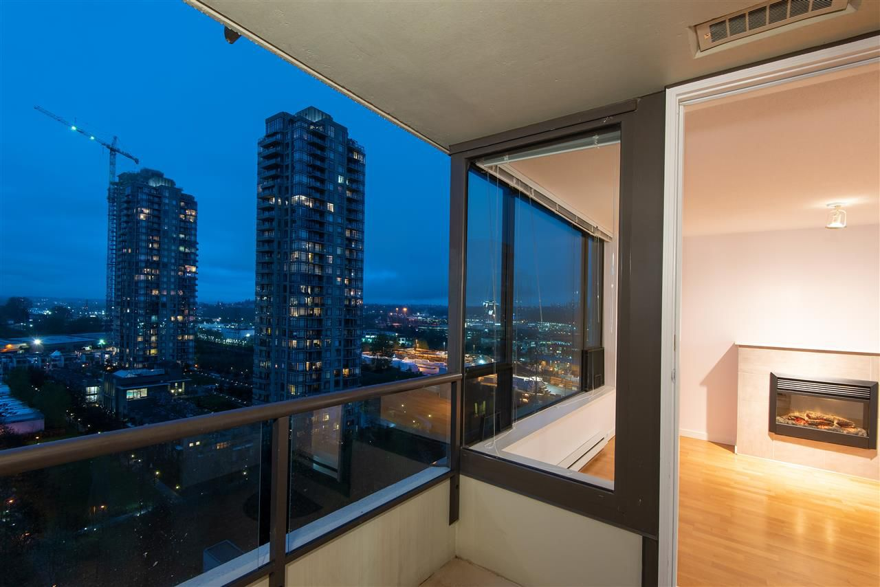 Main Photo: 1607 4178 DAWSON Street in Burnaby: Brentwood Park Condo for sale (Burnaby North)  : MLS®# R2362079