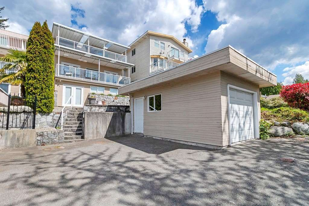 Photo 20: Photos: 121 E ST. JAMES Road in North Vancouver: Upper Lonsdale House for sale : MLS®# R2365362