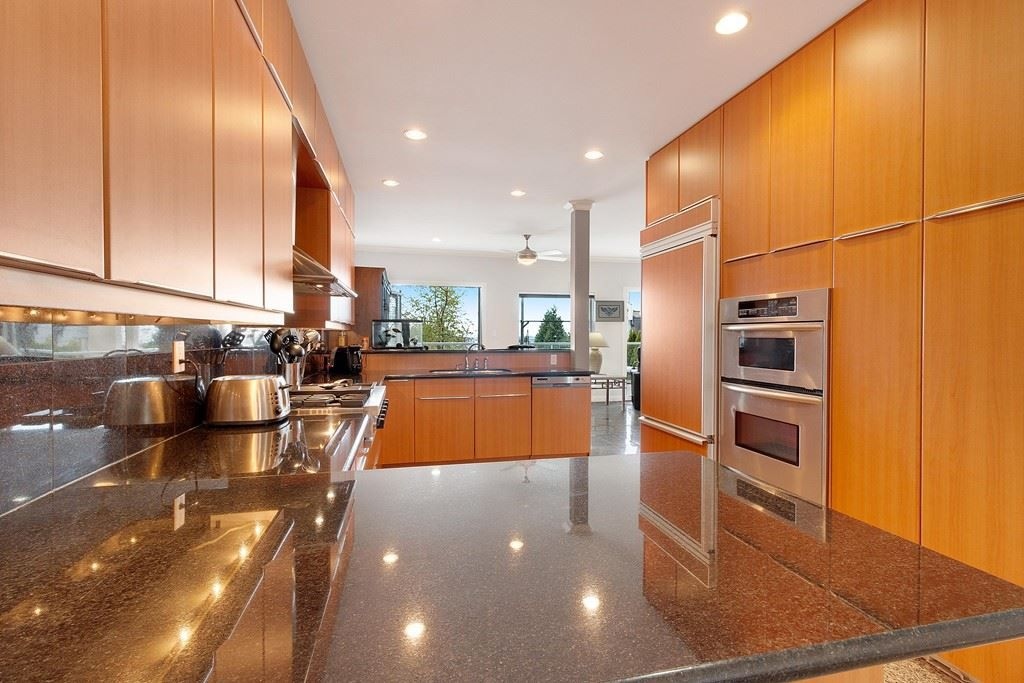 Photo 9: Photos: 121 E ST. JAMES Road in North Vancouver: Upper Lonsdale House for sale : MLS®# R2365362