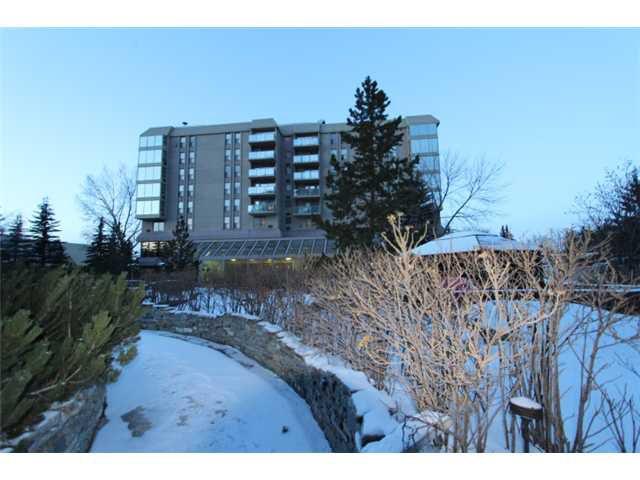 Main Photo: 604 4555 VARSITY Lane NW in CALGARY: Varsity Acres Condo for sale (Calgary)  : MLS®# C3600012