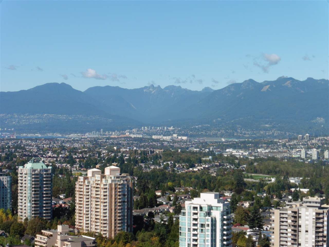 """Main Photo: 3702 4880 BENNETT Street in Burnaby: Metrotown Condo for sale in """"CHANCELLOR"""" (Burnaby South)  : MLS®# R2006395"""