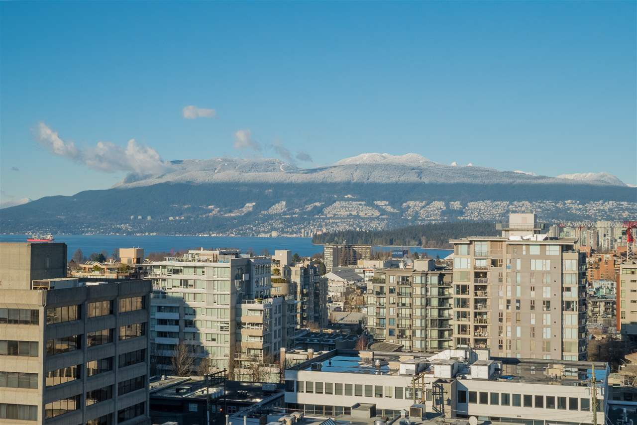 """Main Photo: 1101 1633 W 10TH Avenue in Vancouver: Fairview VW Condo for sale in """"HENNESSY HOUSE"""" (Vancouver West)  : MLS®# R2132652"""