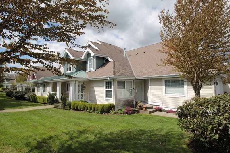 "Main Photo: 5 16995 64 Avenue in Surrey: Cloverdale BC Townhouse for sale in ""Lexington"" (Cloverdale)  : MLS®# R2159340"