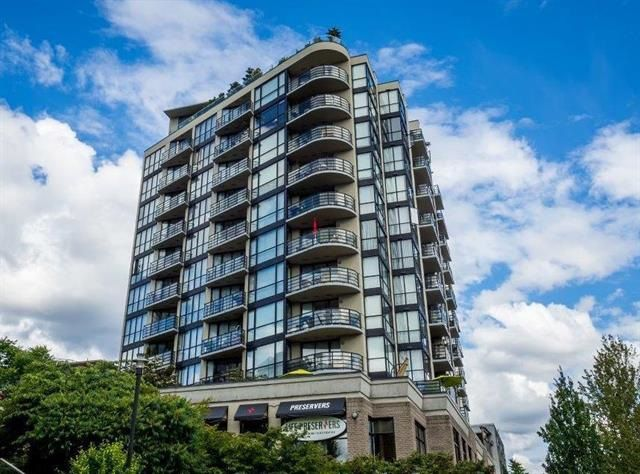 "Main Photo: 701 124 W 1ST Street in North Vancouver: Lower Lonsdale Condo for sale in ""THE ""Q"""" : MLS®# R2160332"