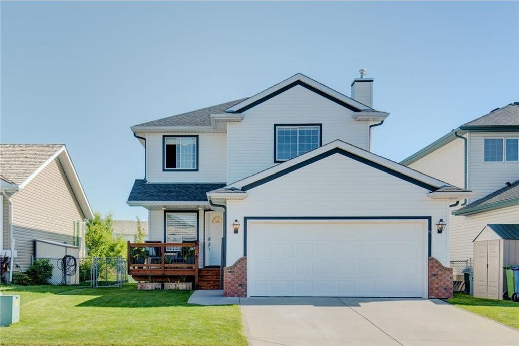 Main Photo: 223 WOODSIDE CR NW: Airdrie House for sale : MLS®# C4135812