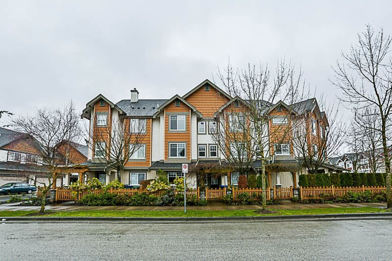 "Main Photo: 47 8717 159TH Street in Surrey: Fleetwood Tynehead Townhouse for sale in ""Springfield Gardens"" : MLS®# R2250829"