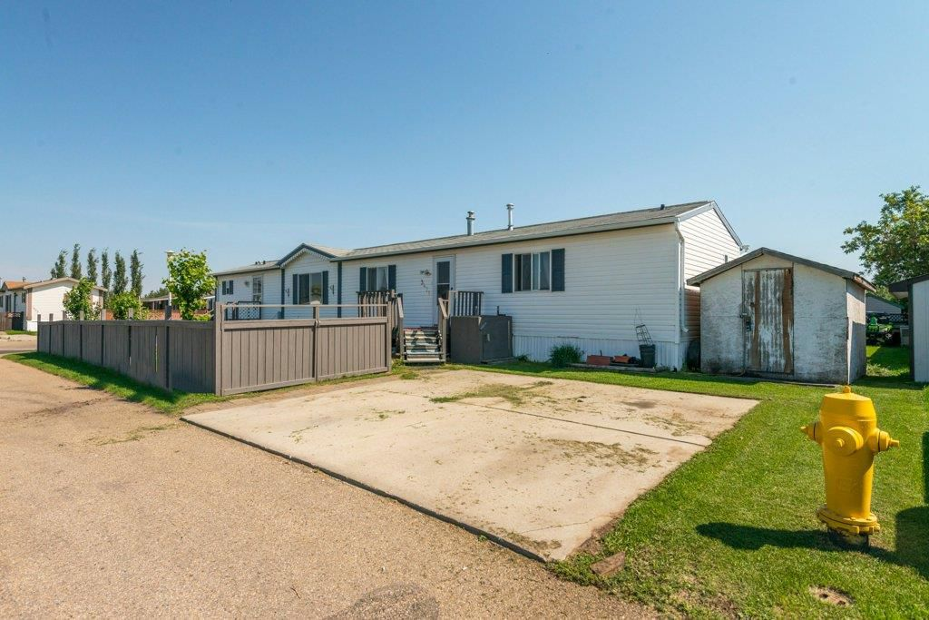 Main Photo: 3436 Lakeview Point NW in Edmonton: Zone 59 Mobile for sale : MLS®# E4124245