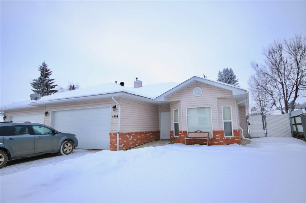Main Photo: 4304 53 Street: Wetaskiwin House Half Duplex for sale : MLS®# E4130465