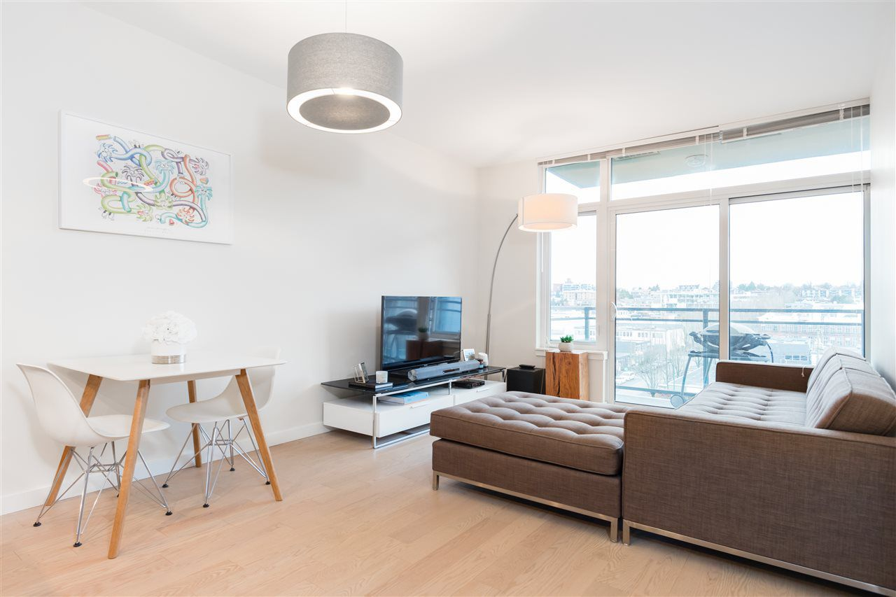 """Main Photo: 803 38 W 1ST Avenue in Vancouver: False Creek Condo for sale in """"THE ONE"""" (Vancouver West)  : MLS®# R2325443"""
