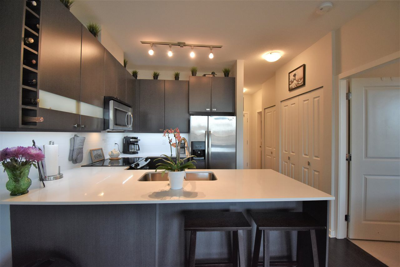 """Photo 6: Photos: 401 5655 210A Street in Langley: Salmon River Condo for sale in """"Cornerstone North"""" : MLS®# R2335974"""
