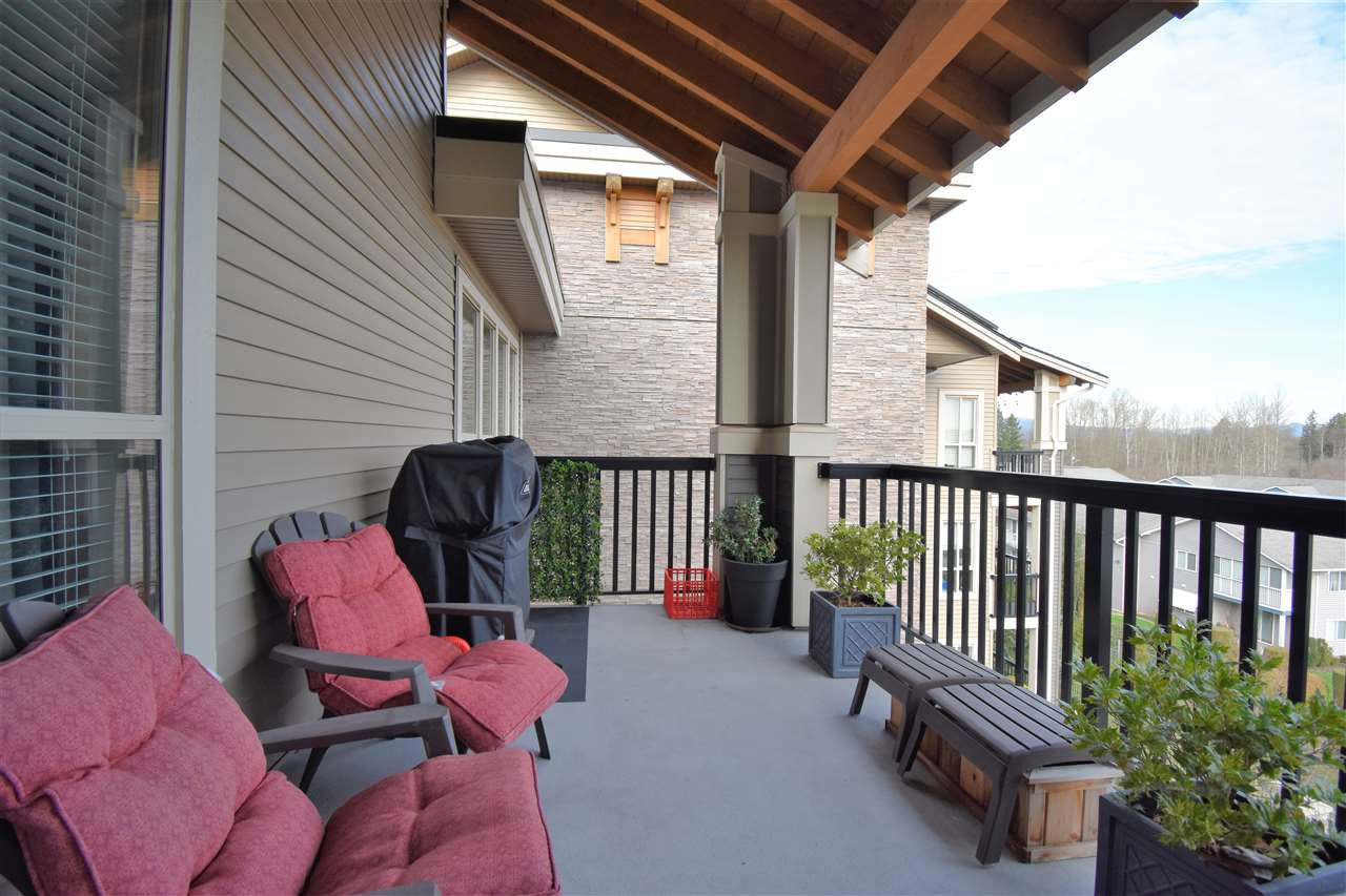 """Photo 10: Photos: 401 5655 210A Street in Langley: Salmon River Condo for sale in """"Cornerstone North"""" : MLS®# R2335974"""