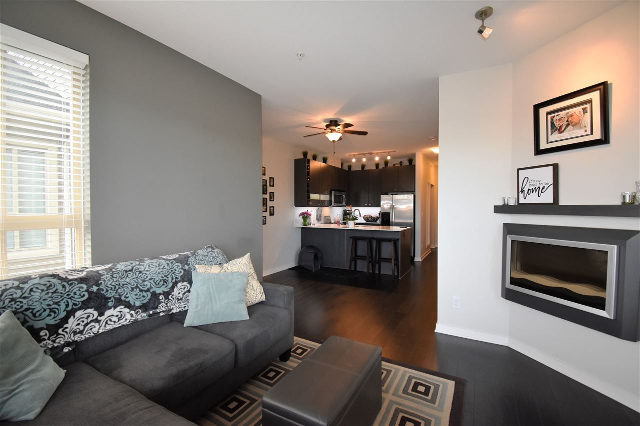 """Photo 4: Photos: 401 5655 210A Street in Langley: Salmon River Condo for sale in """"Cornerstone North"""" : MLS®# R2335974"""